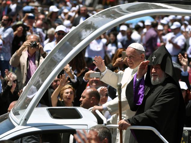 Papa agli armeni, non cedete alle avversità