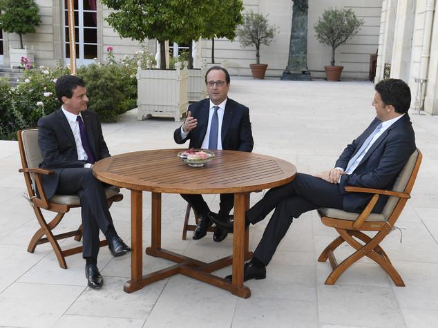 Cena di lavoro Renzi-Hollande all'Eliseo