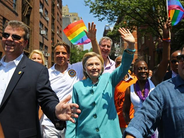 Clinton sfila al Gay Pride di New York