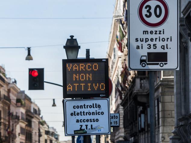 Tpl: Istat, citta' piu' sostenibili, aumento aree pedonali e Ztl