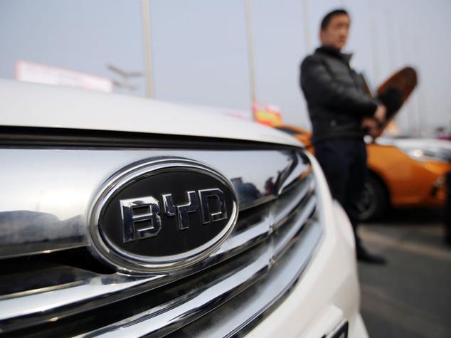 Byd, un mln auto elettriche vendute entro 2020