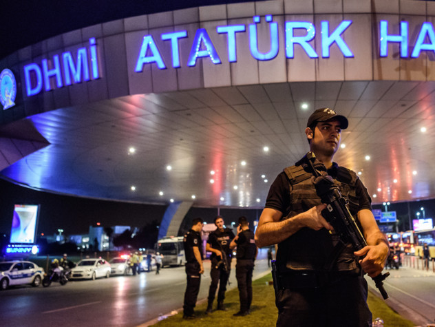 "Strage a Istanbul, ""Isis dietro l'attacco"""