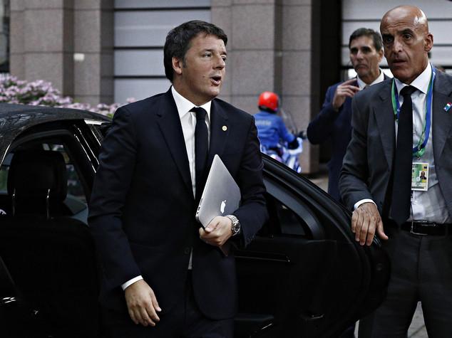 Scontro fra treni, Renzi lascia Milano e rientra a Roma