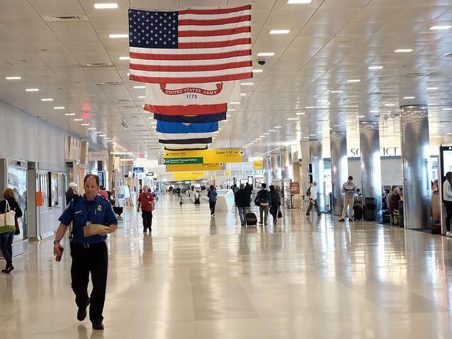 Pacco sospetto, evacuato terminal 5 aeroporto JFK a New York