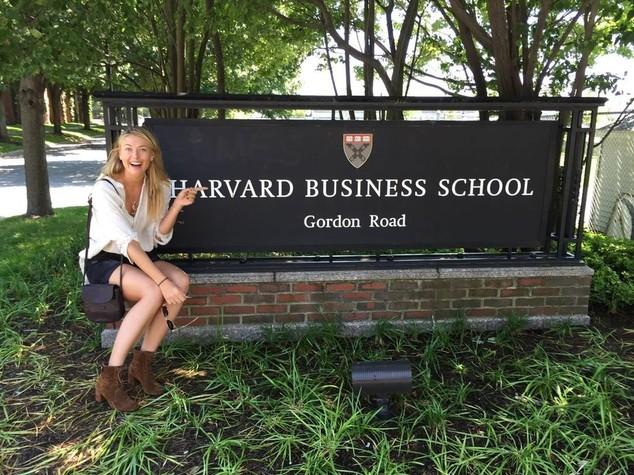 Sharapova si reiventa, studentessa di economia a Harvard - Foto