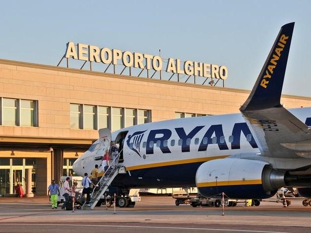 Aeroporto Alghero: sindaci in rivolta, assemblea ad Alghero