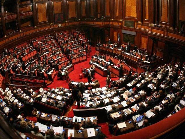 Italicum, ok a mozione maggioranza ma Pd si spacca