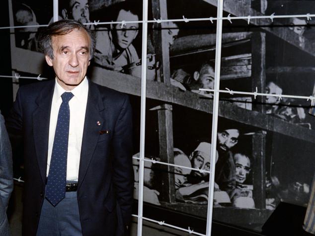 È morto Elie Wiesel, Nobel per la Pace e sopravvissuto alla Shoa