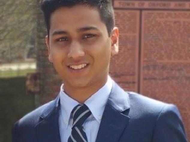 Studente musulmano rifiutò di abbandonare amiche, ucciso
