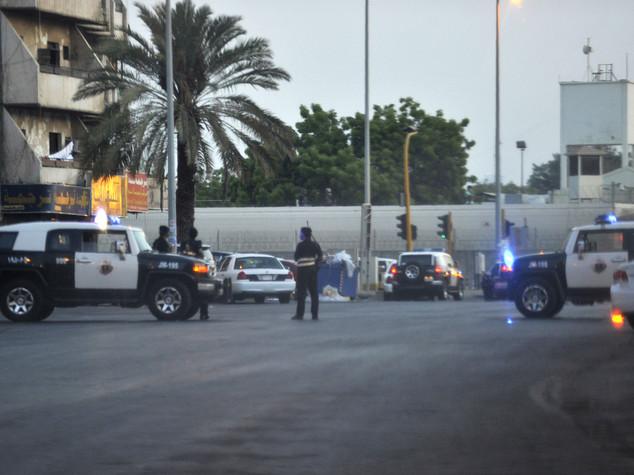Arabia Saudita, kamikaze si fa saltare davanti al Consolato Usa