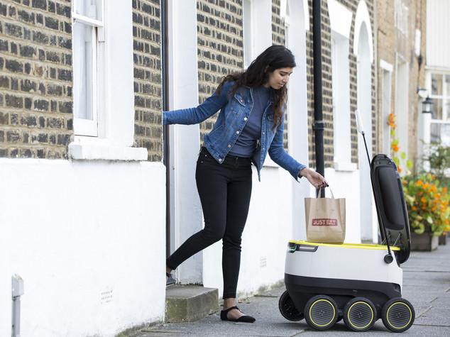 A Londra il pranzo lo porta un robot