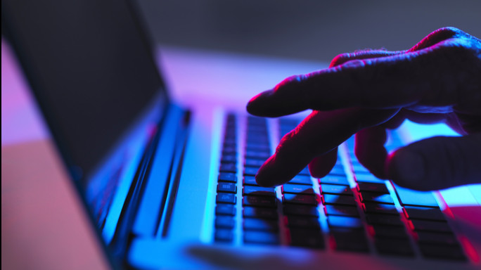 Smantellato il club mondiale di pedofili online