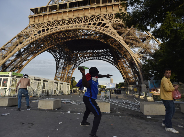 Paura terrorismo condiziona i viaggi, un italiano su 4 cambia meta