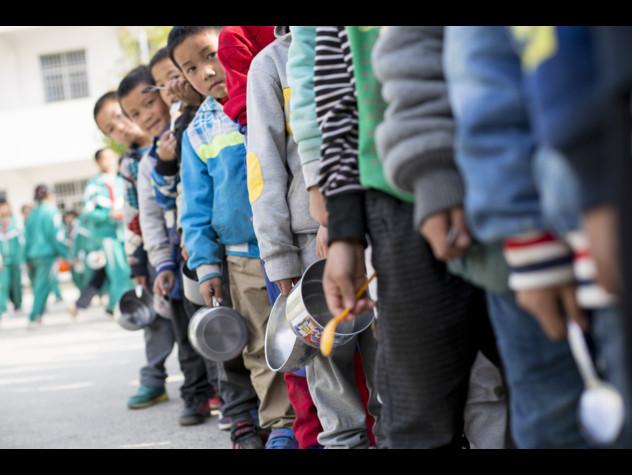 Unicef-Banca mondiale: 385 mln bambini vivono in estrema povertà