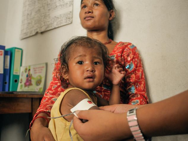Povertà discrimina milioni bimbi, allarme Save the Children