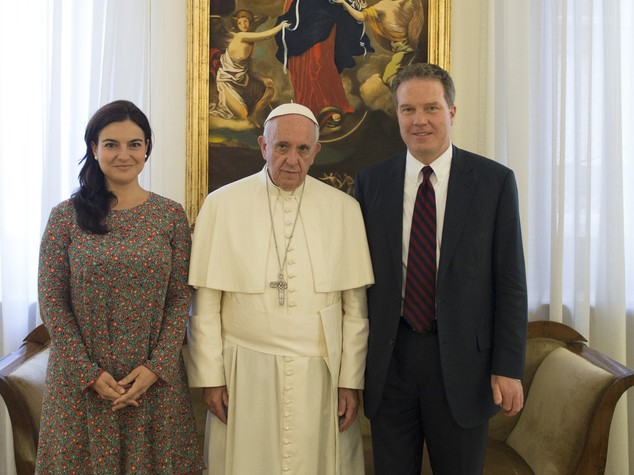 Greg e Paloma portavoce del Papa, gratitudine a Lombardi