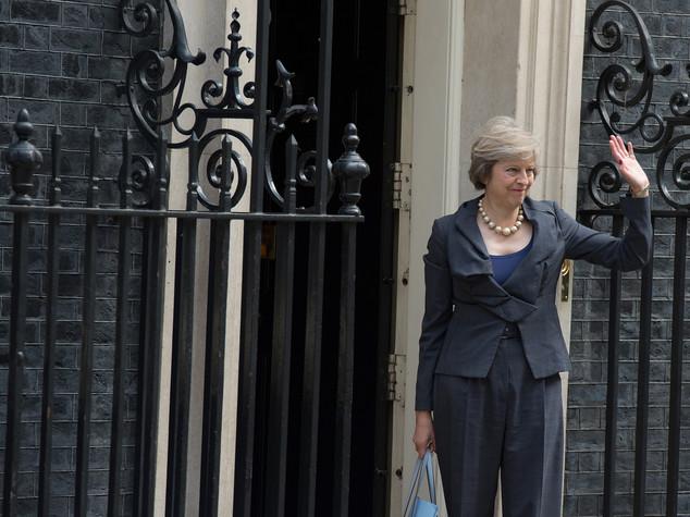 Premier May chiede tempo a leader Ue per preparare negoziati