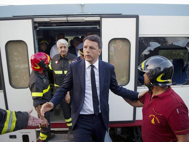 Renzi, non lasceremo soli i pugliesi