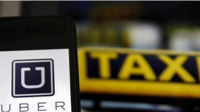 Dal bando dell'app alle proteste dei taxi. La via crucis di Uber