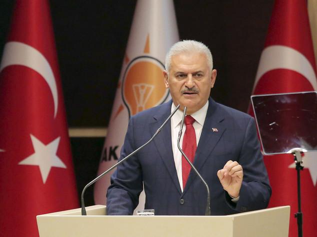 Turchia: premier, vogliamo buoni rapporti con la Siria