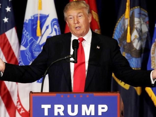 """La promessa di Trump """"meno tasse per tutti"""""""