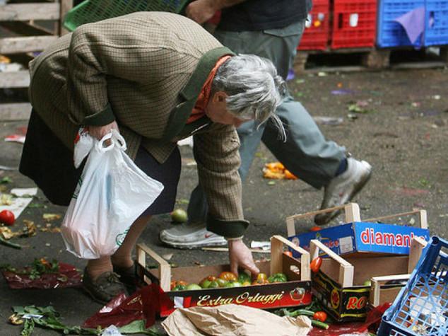 Quasi 5 milioni di italiani vivono in povertà