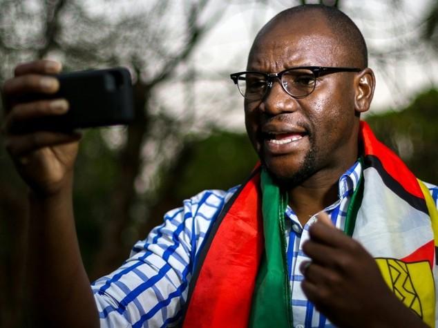Zimbabwe:contestazioni a Mugabe,leader protesta chiede continuare