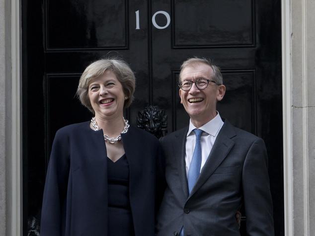 """Dopo 26 anni torna a Downing Street un """"first husband"""""""