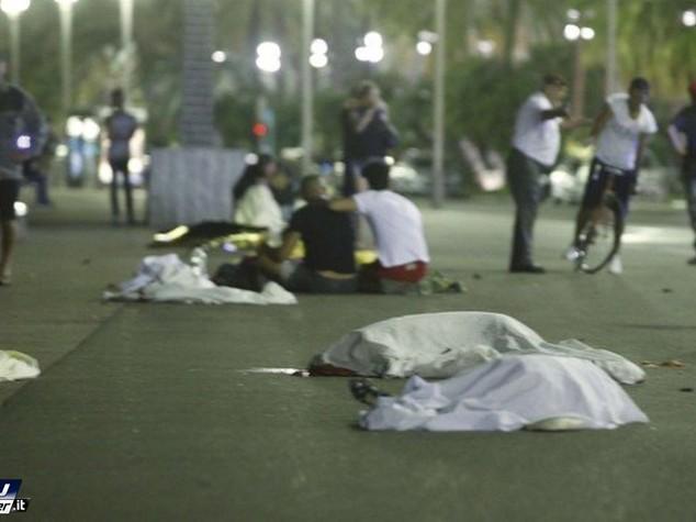 """Almeno 2 bambini morti, altri """"tra la vita e la morte"""""""