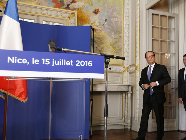 Hollande, uniti sconfiggeremo il male