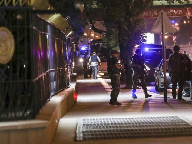 """Golpe militare in Turchia Erdogan, """"popolo si ribelli"""""""