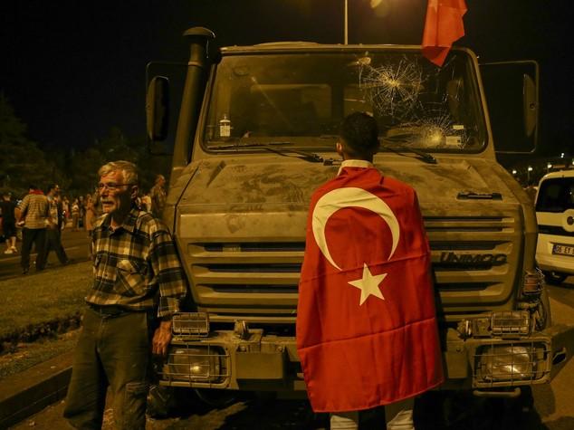 Golpisti rischiano pera di morte, governo Turco valuta ripristino