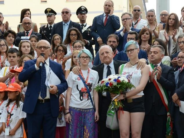 Omaggio a vittime Nizza da under 18