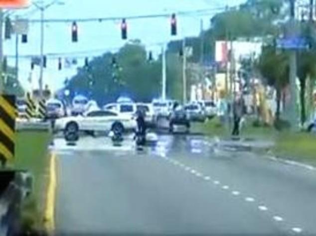 """Sparatoria Baton Rouge, polizia """"ucciso un sospetto, 2 in fuga"""""""