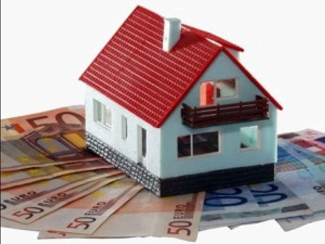 Casa: valore giu' del 15% ma le tasse sono salite del 140%