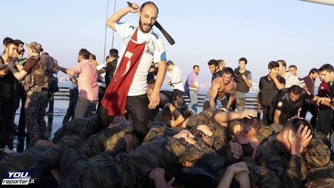 Erdogan congela diritti umani, scontro Turchia-Ue