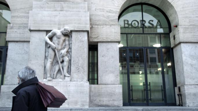 Borsa: mercato in calo (-0,38%), giù Mediaset; Ubi +11%