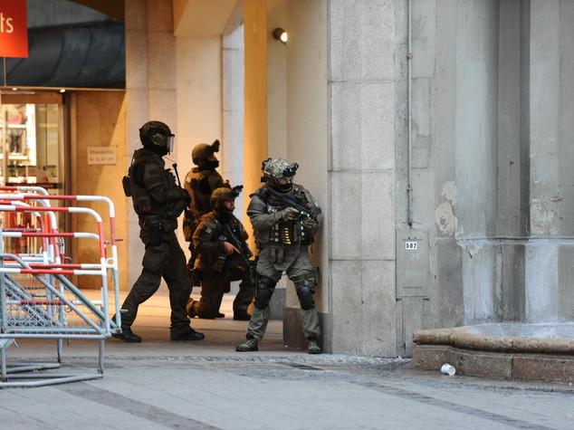 Monaco: Bild, un attentatore si uccide con colpo alla testa