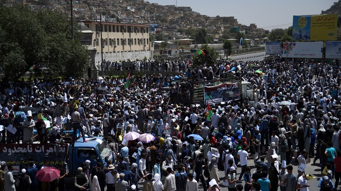 Afghanistan in lutto dopo strage Kabul, 80 i morti