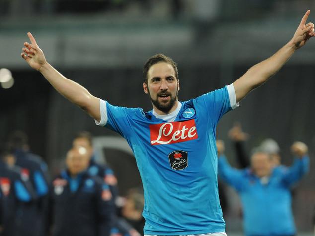 La Juventus paga clausola al Napoli, Higuain bianconero