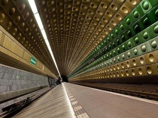 Auto abbandonata, rientrato allarme metro a Londra
