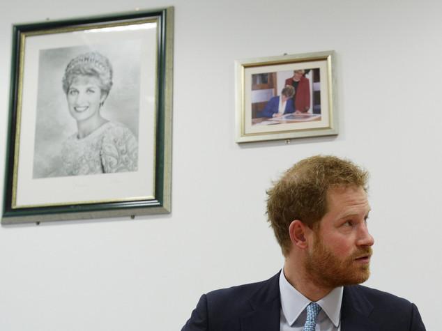 Il principe Harry racconta cosa successe dopo la morte di Diana