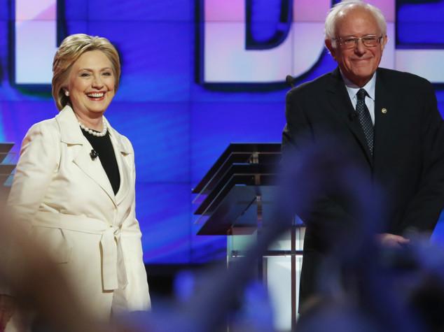 Sanders non si vendica, votiamo Hillary per battere bullo Trump