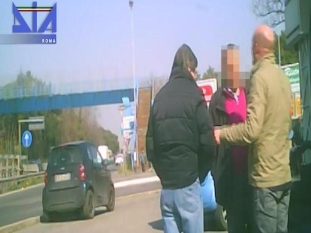Usura, giro di vite della Dia a Roma; 16 arresti - Video