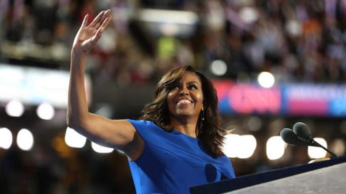 Michelle Obama incorona Hillary, è la donna giusta per battere Trump