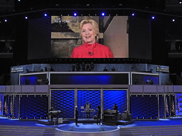 Hillary conquista nomination ed entra nella storia