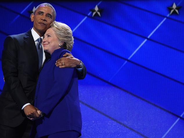 "Con Hillary ""Yes, we can"" Obama incorona la Clinton - Video"