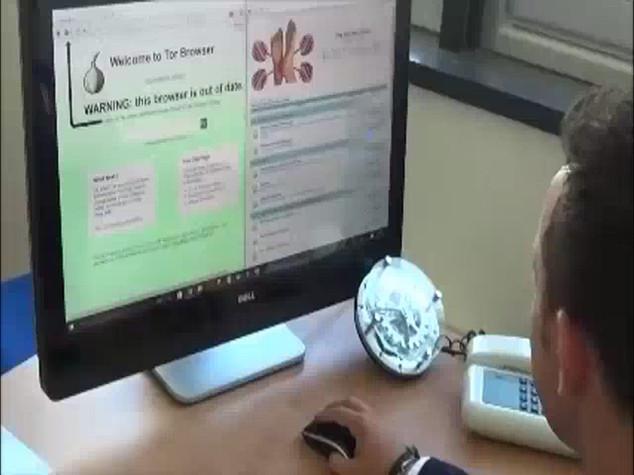 Pedofili a caccia di piedini di bimbi nel darknet -   VIDEO