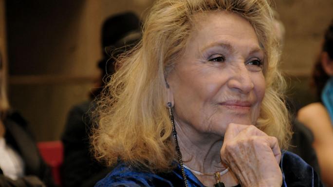Addio a Marta Marzotto, la mondina che divenne regina dei salotti -  FOTO  e VIDEO