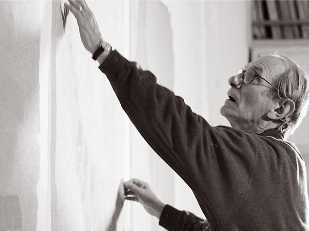 Porto hosts exhibition on painter Italian Giorgio Griffa
